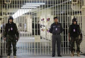 Al Qaeda claims Iraq prison raids, says 500 inmates freed