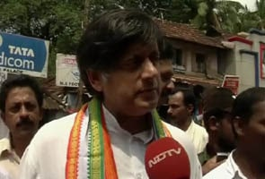Shashi Tharoor discharged in national anthem case