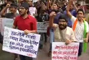 Were ordered to chant praise of Narendra Modi, say Pune film students after clash