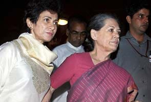 India party leader Sonia Gandhi hospitalised after speech
