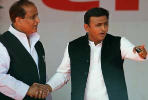 Muzaffarnagar riots: Samajwadi Party can exhale, Azam Khan offers support