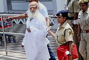 Asaram Bapu brought to Jodhpur after late night arrest