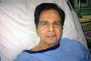 Dilip kumar recovering needs rest saira banu for Saira banu granddaughter