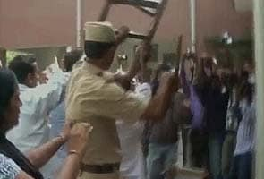 Violence mars lawyers' agitation in Meerut