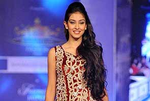 India's Navneet Kaur Dhillon out of Miss World contest