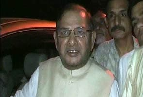 Sharad Yadav taken into preventive custody by Uttar Pradesh police