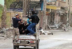 Chemical watchdog examines Syria weapons details