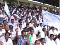 Pro-Telangana stir intensifies, Seemandhra employees attacked