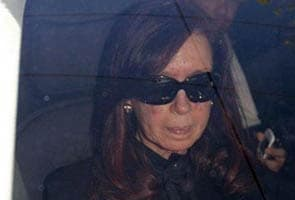 Argentine president Cristina Kirchner undergoes surgery to remove blood clot