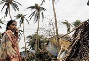 Cyclone Phailin moves inland, flood threat in Chhattisgarh, Bihar