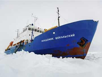 Icebreakers rush to help ship trapped in Antarctic ice