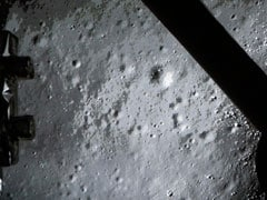 China's Jade Rabbit lunar rover sends first photos from moon