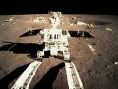 China's moon rover leaves traces on lunar soil