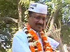 Delhi polls: 'Outside' supporters pitch in for Aam Aadmi Party
