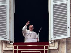 Pope Francis calls for global solidarity in New Year blessing