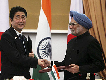 Japan's Prime Minister announces USD 2 bn loan for Delhi Metro expansion