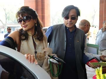 Sunanda Pushkar Tharoor cremated; 'sudden, unnatural death' for her, say doctors