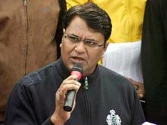 Vinod Kumar Binny meets police commissioner, demands action against Somnath Bharti