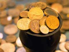 Gold Falls by Rs 120 to Rs 28,330 on Weak Global Cues, Low Demand