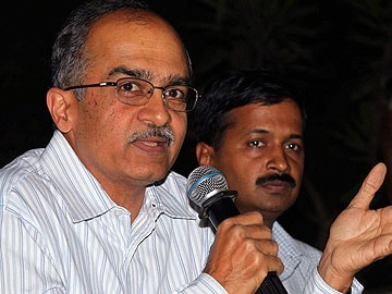 'Referendum on army in Kashmir': Arvind Kejriwal disagrees with Prashant Bhushan's comment
