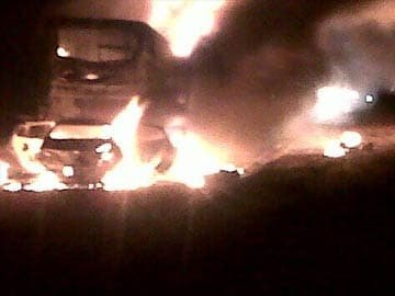 7 killed as bus catches fire after colliding with diesel tanker on Mumbai-Ahmedabad highway