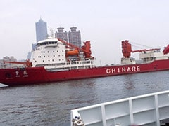 Trapped Chinese icebreaker to attempt breakout