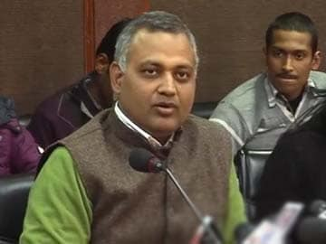 AAP controversy: Law Minister Somnath Bharti's record questioned, Arvind Kejriwal stands by him