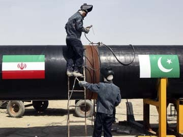 Gas pipeline with Iran shelved, says Pakistan minister