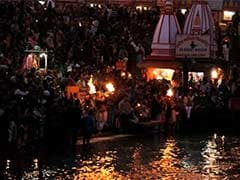Hindu Pilgrims From Pakistan To take Dip In Ganga