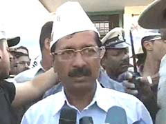 Arvind Kejriwal attacks media again, dares it to show 'Gujarat's true story'