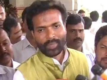 BS Sriramulu re-joins BJP, says Sushma Swaraj 'like my mother'