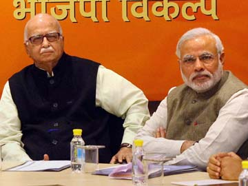 Narendra Modi visits LK Advani who wants to contest from Bhopal, not Gandhinagar