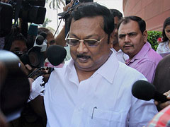 Have to save Karunanidhi from cheats, says Alagiri putting party plans on hold