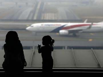 Satellites picked up 'pings' from Malaysia Airlines jet: sources