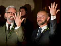 UK couples say 'I do' as gay marriage becomes legal