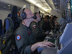 US ship withdraws from search for missing Malaysia jet