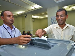 Maldives holds parliamentary polls despite delay fear