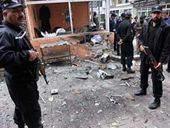 Bomb in southwest Pakistan kills 10: officials