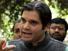 Elections 2014: Varun Gandhi turns emotional, recalls father's association