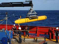 Mini-sub deployed to scour ocean depths in Malaysian flight MH370 hunt