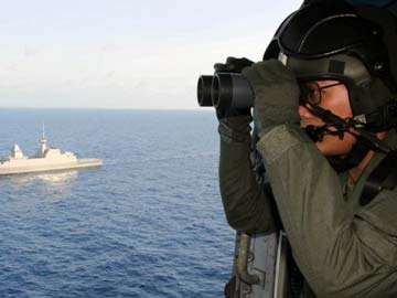 Race against time to find missing Malaysia Airlines flight MH370 black box