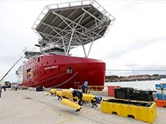 Sonar loaded underwater robot to hunt for MH370