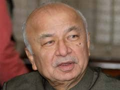 For Sushil Kumar Shinde, the fourth term likely to be a cakewalk
