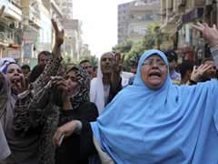 Egypt Court Sentences 102 Islamists to 10 Years in Jail