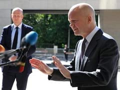 British Foreign Secretary William Hague Arrives in Baghdad, Urging Unity in Face of Jihadists