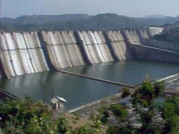 Gujarat Allowed to Raise Height of Narmada Dam, Activists Protest