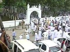 Eid-ul-Fitr Celebrated Amidst Tight Security in Uttar Pradesh