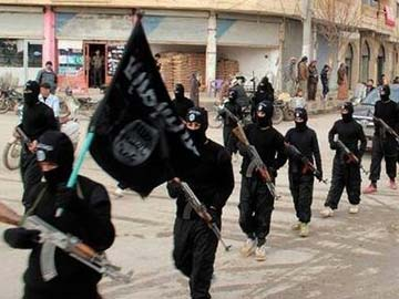 Islamic State Recruits at Record Pace in Syria: Human Rights Body