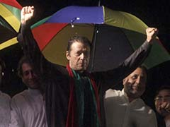 Cricket Star Imran Khan Overplays Hand in Pakistan Power Game