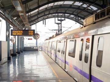Delhi: Metro Halted, Stolen Rs.1.60 Lakh Recovered